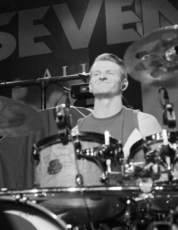 STH drummer1